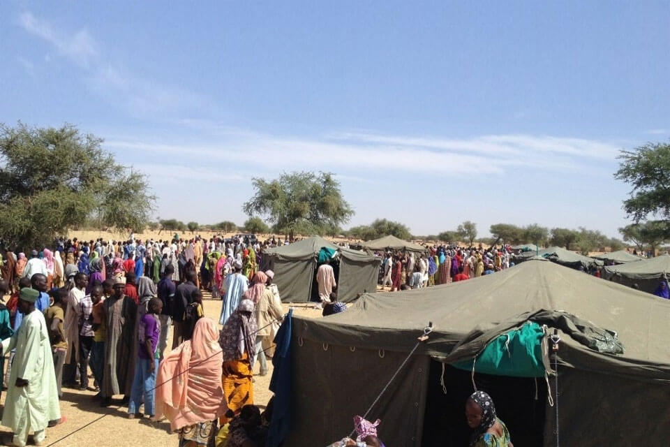 Población desplazada por la violencia de Boko Haram. Foto: Katy Thiam/OCHA