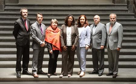 De izquierda a derecha: Felipe González, James L. Cavallaro, Rosa María Ortiz, Tracy Robinson, Rose-Marie Belle Antoine, Paulo Vannuchi, José de Jesús Orozco Henríquez