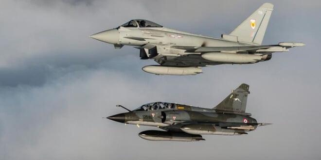 Aeronaves de combate francesa y británica.