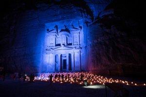 La ciudad de Petra, en Jordania, un sitio del Patrimonio Mundial de la UNESCO, se iluminará de azul para conmemorar el 70 aniversario de la ONU. Foto: Oficina del Coordinador Residente de la ONU en Jordania/Chris Herwig