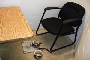 Celda de detención en Guantánamo. Foto: Emma Reverter