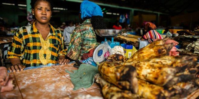 Mercado en Monrovia, Liberai. Foto UNDP/Morgana Wingard