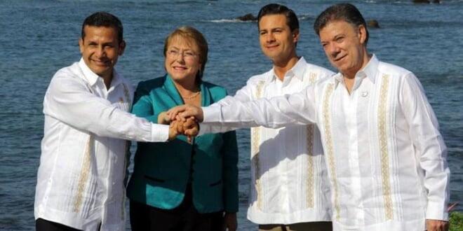 Los presidentes en ejercicio de Perú, Chile, México y Colombia: Humala, Michelet, Peña Nieto y Santos.