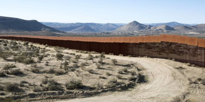 Muro que separa Estados Unidos de México. Jerome Sessini Magnum Photos