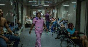 Meridith Kohut/IRIN En los hospitales públicos venezolanos se agotan la mayoría de las medicinas y el material médico necesario.