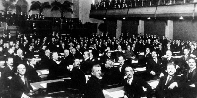 ONU//Jullien Sesión inaugural de la Sociedad de las Naciones